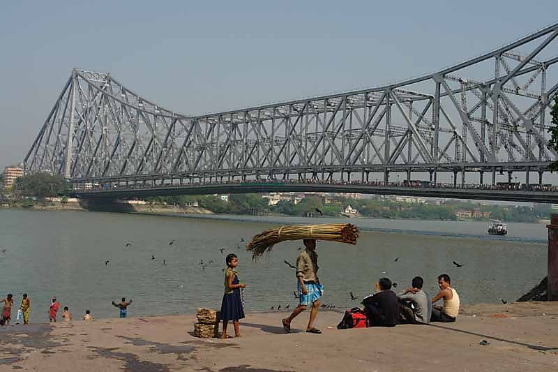 Most Haunted Places in Kolkata Under the Howrah Bridge