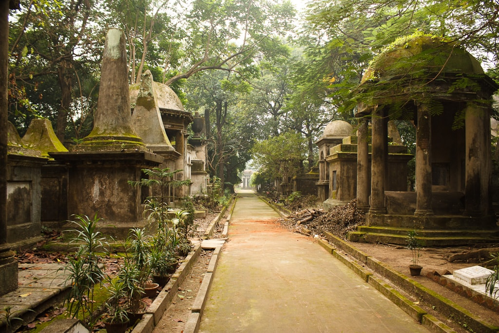 Real Haunted Places in Kolkata South Park Street Cemetery