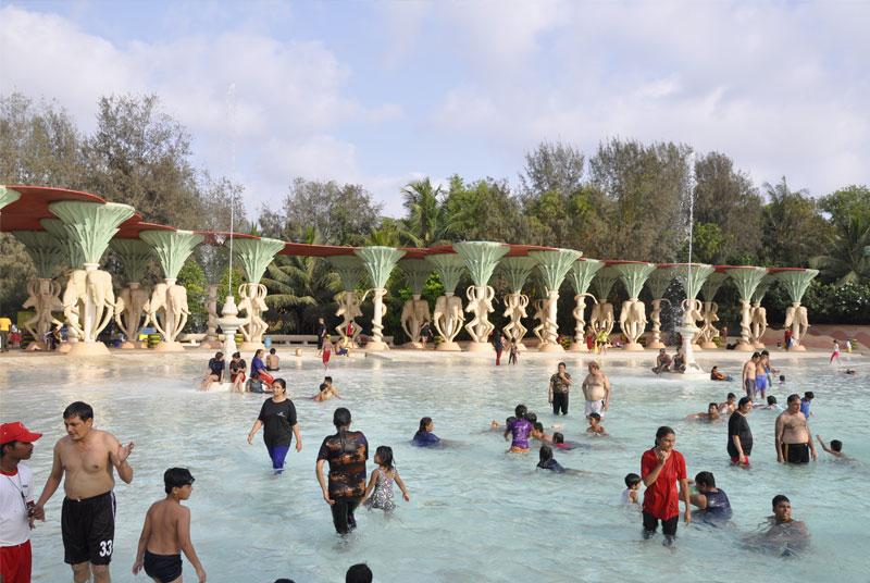 Best Amusement park in Mumbai Water Kingdom