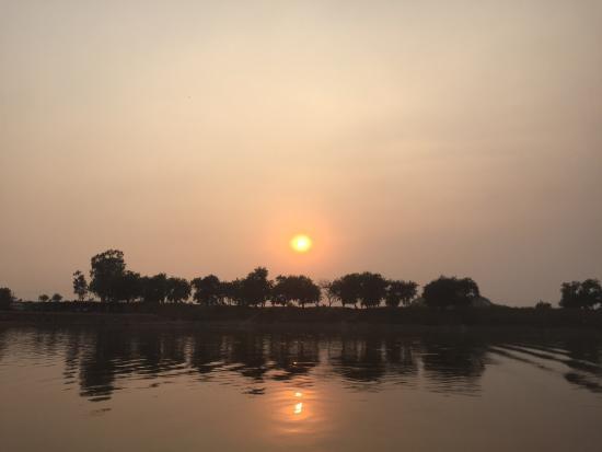 Damdama Lake Picnic Spots in Delhi