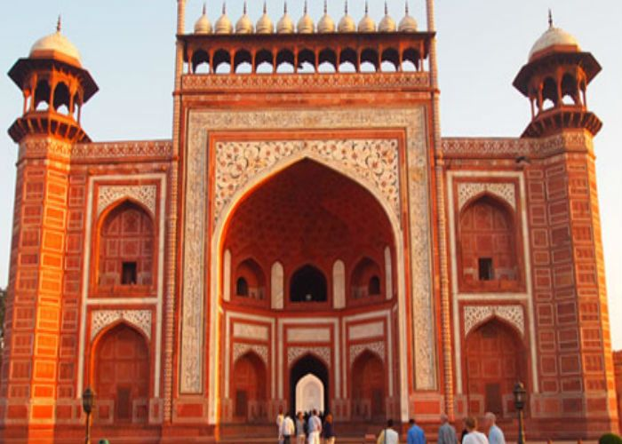 Famous Places to Visit in Agra Fatehpur Sikri