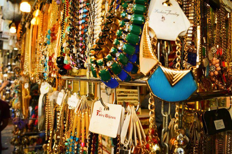 Famous Things in Agra Kinari Bazar