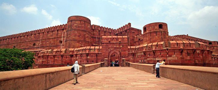Places to Visit Agra Fort