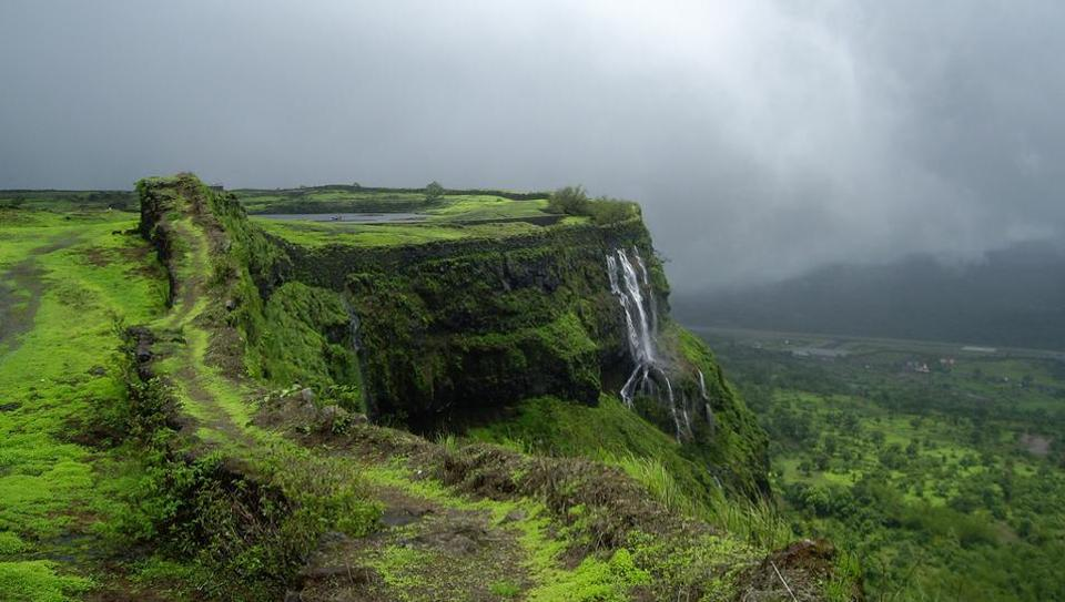 Nearest Hill Station to Mumbai Lonavala