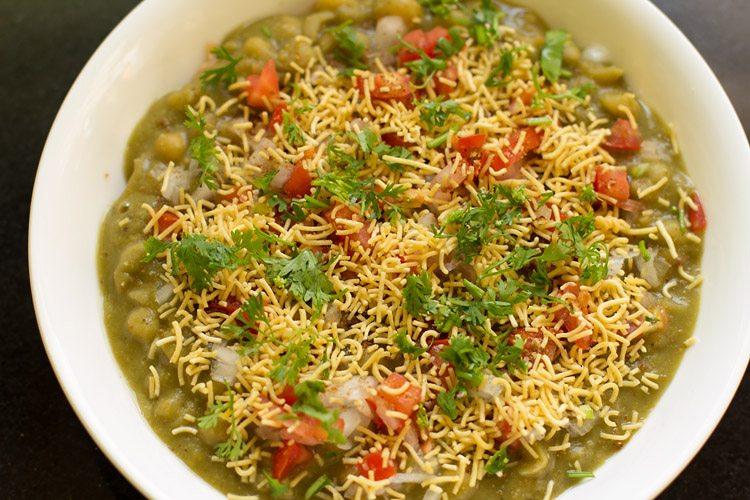 Masala Puri Popular Street Food in Bangalore