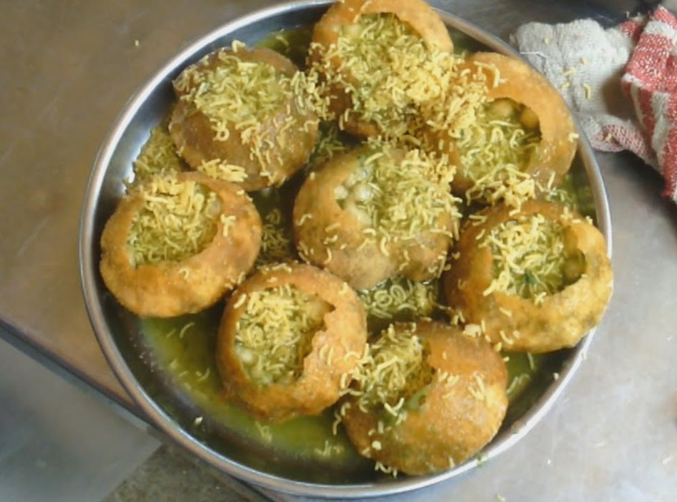 Pani Puri Popular Street Food in Mumbai