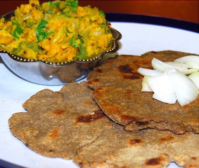 Zunka Bhakar Typical Street Food of Mumbai