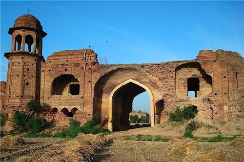 Lodhi Fort Places to Visit in Ludhiana