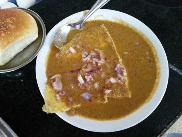 Ros Omellete Best Late Night Street Food in Goa